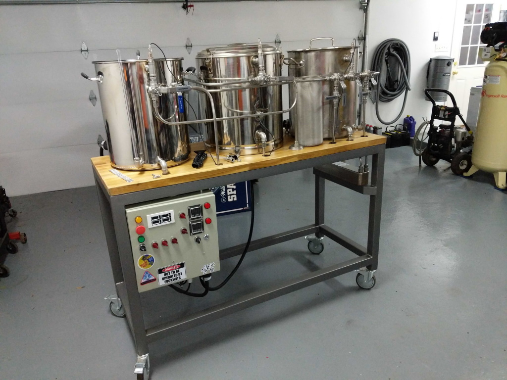 Parker's brewery in its almost completed form! Pre test boil.